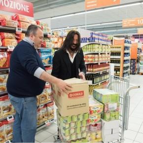 Verranno consegnati nelle prossime settimane a Chiesina Uzzanese  i pacchi per le famiglie bisognose donati da Conad  e lo stilista  Luca Piattelli