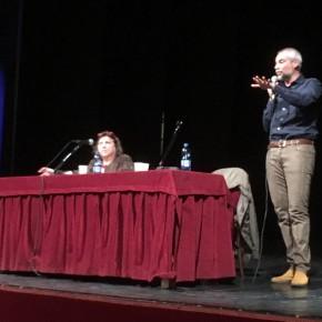 Gli studenti del triennio dell'Istituto tecnico agrario e dell'indirizzo Biotecnologie sanitarie Anzilotti  di Pescia: hanno incontrato al teatro Pacini lo scrittore Marco Malvaldi.