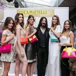 Grande successo per lo stilista  Luca Piattelli a Milano : applausi per la sua linea di borse e un premio nazionale per il suo salone di Chiesina Uzzanese .