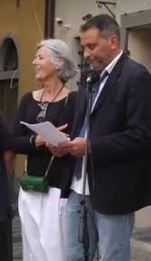 """Oreste Giurlani comincia ufficialmente il nuovo mandato da sindaco di Pescia dopo la vittoria al ballottaggio di domenica scorsa  """"Moltiplicheremo le opportunità di ascolto dei cittadini anche in ore serali e nei festivi . Il mio telefono a tutti anche per WhatsApp"""""""