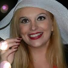 Pescia mercoledì 8 agosto S.Domenico concerto-aperitivo con Sissy Raffaelli.