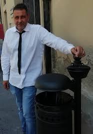 """Iniziata l'installazione a Pescia di nuovi cestini con posacenere  Giurlani """"Sono eleganti e funzionali, ora i cittadini facciano la loro parte"""""""