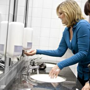 World Toilet Day: sognando uffici e scuole con servizi igienici più puliti e attrezzati