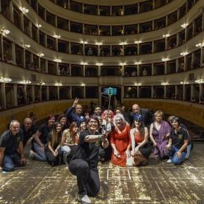 Teatro Pacini 7 dicembre ''Prendo in prestito tua moglie'' con i Mercanti di parole