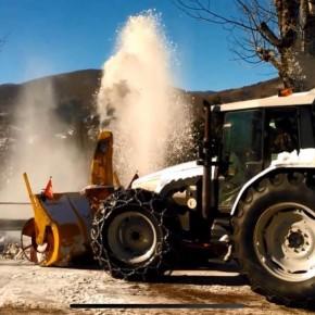 MALTEMPO. Montagna Pistoiese: trattori Coldiretti contro neve e gelo  Da giorni usati come spargisale,  pronti per ripulire strade provinciali e comunali
