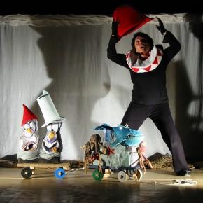 Teatro Pacini 5,6 e 7 febbraio. Al via con ''Azzurra balena'' la stagione dedicata alle scuole