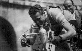 Domenica 31  Marzo alle ore 16,30, Sala maggiore Palagio. La Città di Pescia ricorda Quirico Bernacchi, insieme ai grandi campioni del ciclismo.