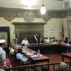 Pescia. Le minoranze unite chiedono le dimissioni del sindaco Giurlani con una mozione di sfiducia.