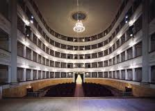 """Domenica 28 aprile. Stagione lirica al Teatro Pacini """"Femmes fatales les dames"""""""