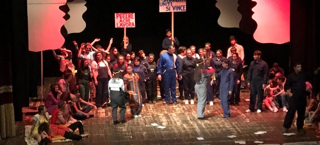 Sabato 18 maggio è andato in scena presso il teatro Pacini lo spettacolo degli alunni dell'Istituto pesciatino Sismondi-Pacinotti, nelle sue quattro declinazioni di Sismondi, Pacinotti, Ferrari e Berlinghieri.