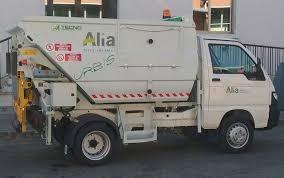 """Continua la pulizia straordinaria e il taglio del verde nelle strade comunali di Pescia . Giurlani """"Come annunciato interverremo su tutto il territorio"""""""