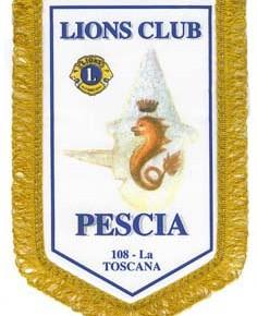 Chiesina Uzzanese 29 maggio. IL Lions Club Pescia consegna il nuovo labaro sociale  all' Associazione Donatori di Sangue Fratres