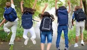 """Pescia, giro nelle scuole di Polizia Municipale e Commissariato di Pescia in vista della fine dell'anno scolastico   """"Verranno sanzionati comportamenti che violano il codice della strada"""""""