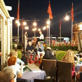Grande successo per l'inedita serata con Beppe Dati e il suo gruppo al Bagno Venezia di Lido di Camaiore.