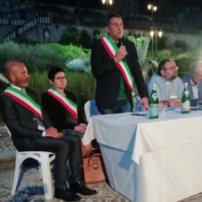 Tanti fedeli all'incontro a Collodi con il nuovo vescovo di Lucca Giulietti, organizzato dal comune di Pescia e dalla Fondazione Carlo Collodi