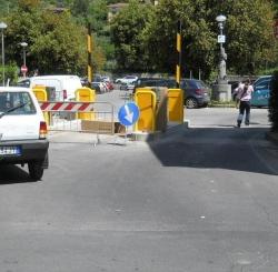 La giunta annulla anche l'ultimo atto di affidamento passato dei parcheggi. A breve il provvedimento ufficiale di richiesta di restituzione  alla Pepar degli stalli.