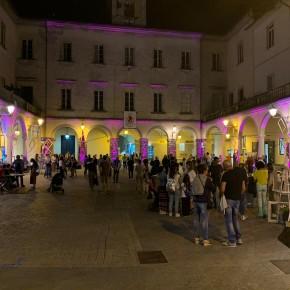 """Torna in piazza del Grano a Pescia """"Galleria Itinerante""""           Arte, musica, colori e bellezza a partire dalle 16 di domenica 29 Settembre 2019"""