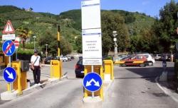 """Dipendenti dell'ospedale dal sindaco Giurlani per i posti auto """"Il gestore non rispetta gli accordi"""". Prosegue l'analisi legale delle garanzie al project financing"""