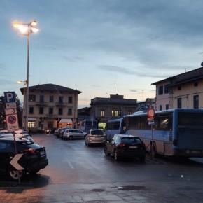 Dal 21 Dicembre niente più bus in sosta di notte e nei festivi in piazza XX Settembre a Pescia. Arrivano le paline di segnalazione per le corse.