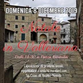 """San Quirico piazza Garibaldi domenica 8 dicembre. """"Natale in Valleriana""""."""