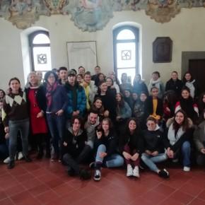 Continuano gli scambi culturali e scolastici fra Pescia e Oullins     Ricevuta in comune da Guja Guidi una delegazione di studenti