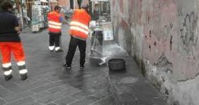 """Riprendono a Pescia cicli di pulizia straordinaria della città     Giurlani """"Qualche piccolo disagio per un importante risultato"""""""