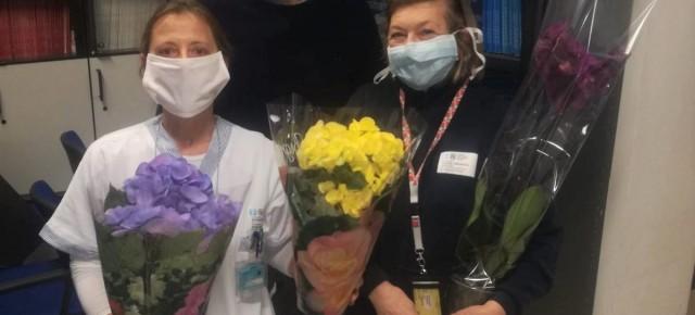 #Lacampagnadona. Fiori agli operatori sanitari del reparto di Radioterapia Oncologica di Careggi  La solidarietà della rete Coldiretti