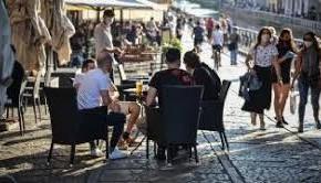 """Qualche assembramento preoccupa il sindaco di Pescia Oreste Giurlani """" Se continua così saremo costretti a prendere provvedimenti"""""""