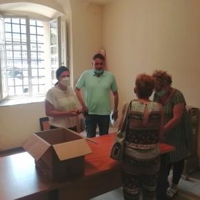 Iniziata in sicurezza la distribuzione di 100mila mascherine a Pescia     L'amministrazione comunale ha previsto diversi punti per i cittadini