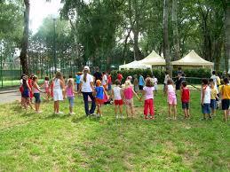 """Il comune di Pescia riapre le scuole per i centri didattici estivi           Giurlani e Grossi """"Un lavoro di due mesi per venire incontro alle esigenze delle famiglie pesciatine, nella massima sicurezza, con ben 10 plessi scolastici coinvolti"""""""