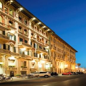 Viareggio Hotel Esplanade giovedì 6 agosto.  Ultimo appuntamento UN MARE DI LIBRI 2020
