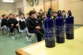 """Torna l'acqua in bottiglia nelle mense scolastiche pesciatine           Giurlani """" Per il momento dobbiamo accantonare il progetto Acquabona, ma torneremo a svilupparlo"""""""