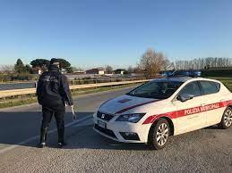 Dalla settimana prossima in distribuzione 47mila nuove  mascherine     Per Pasquetta controlli straordinari della polizia municipale a Pescia