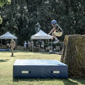 Collodi, grande successo tra adulti e bambini  Della giornata con i paracadutisti Nembo