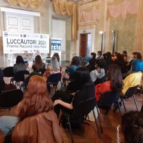 I premiati del Liceo Passaglia per la mostra Racconti a colori / successo per la seconda giornata di LuccAutori